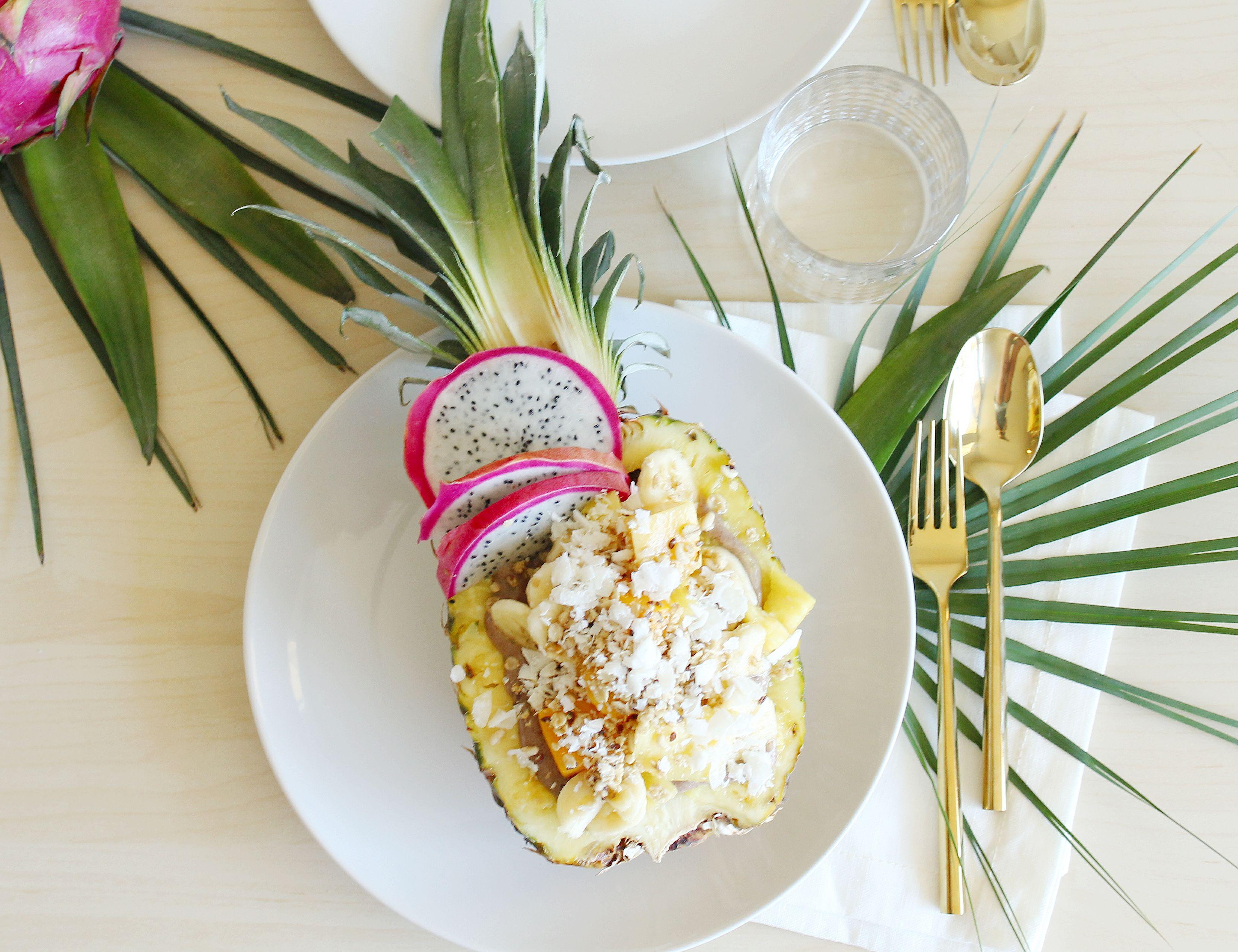 Ananas_dekorierter_Tisch